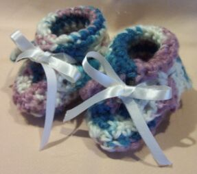 crochet baby booties finished