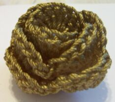 crochet rose candle holder image 3