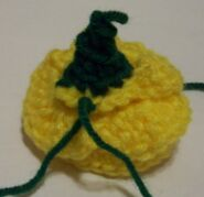 yellow crochet rose image 5a