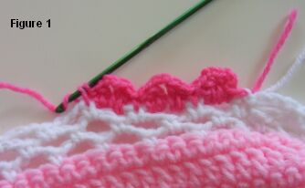 crochet sweetheart pillow edging