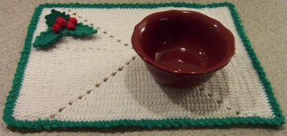 crochet Christmas holly placemat