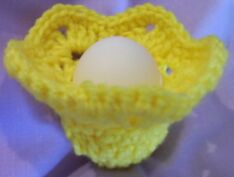 crochet Easter egg cozy image 2
