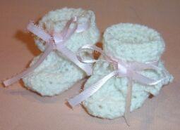 crochet infant booties