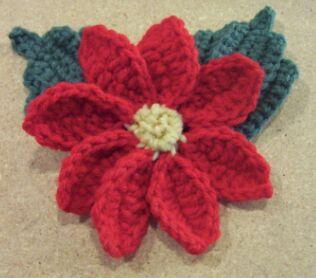 crochet Christmas pointsettia flower